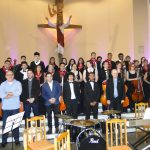 Orquestra Jovem é aplaudida em pé durante apresentação em Santa Maria