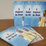 Dom Adelar Baruffi lança livro e o valor arrecadado será revertido para as vocações