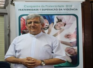Padre Cesar Leandro Padilha recebeu jornalistas na sede da CNBB Regional Sul 3.
