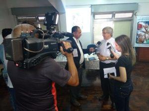 Pe. Leandro recebeu jornalistas.