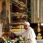 No mês das mães, entenda a devoção mariana de Francisco