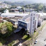 Paróquia São Roque realiza almoço drive thru, em Bento