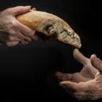 O Papa na mensagem para a Quaresma: cuidar de quem sofre pela Covid-19